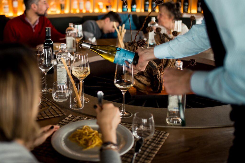 Gente-di-Mare-ristorante-cattolica-riviera-camino-fuoco-vino-menu-pesce