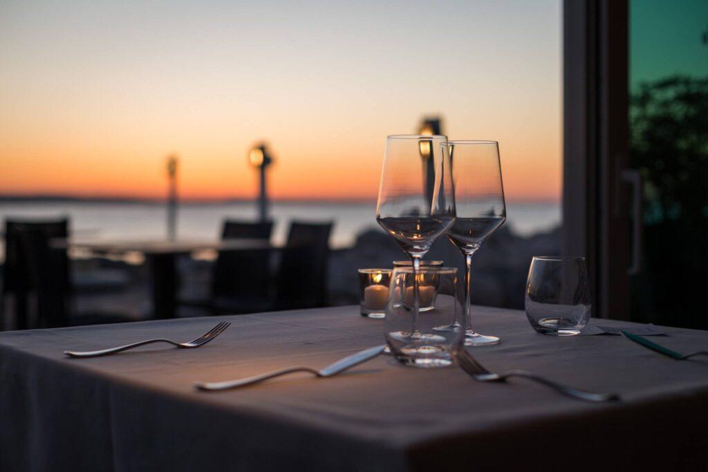 Gente-di-Mare-ristorante-cattolica-riviera-cena-al-tramonto-vista-mare