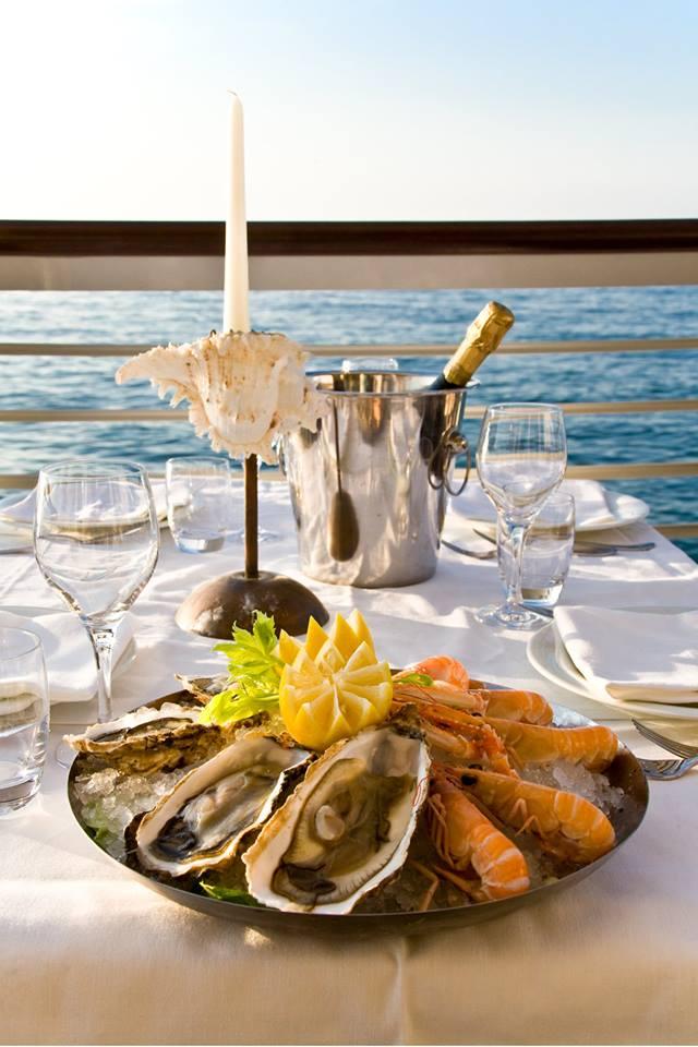 Gente-di-Mare-ristorante-cattolica-riviera-cena-romantica-champagne-ostriche-mare