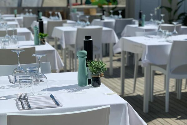 Ristorante-Bagno-Cavallino-Lido-di-Savio-tavoli-pranzo