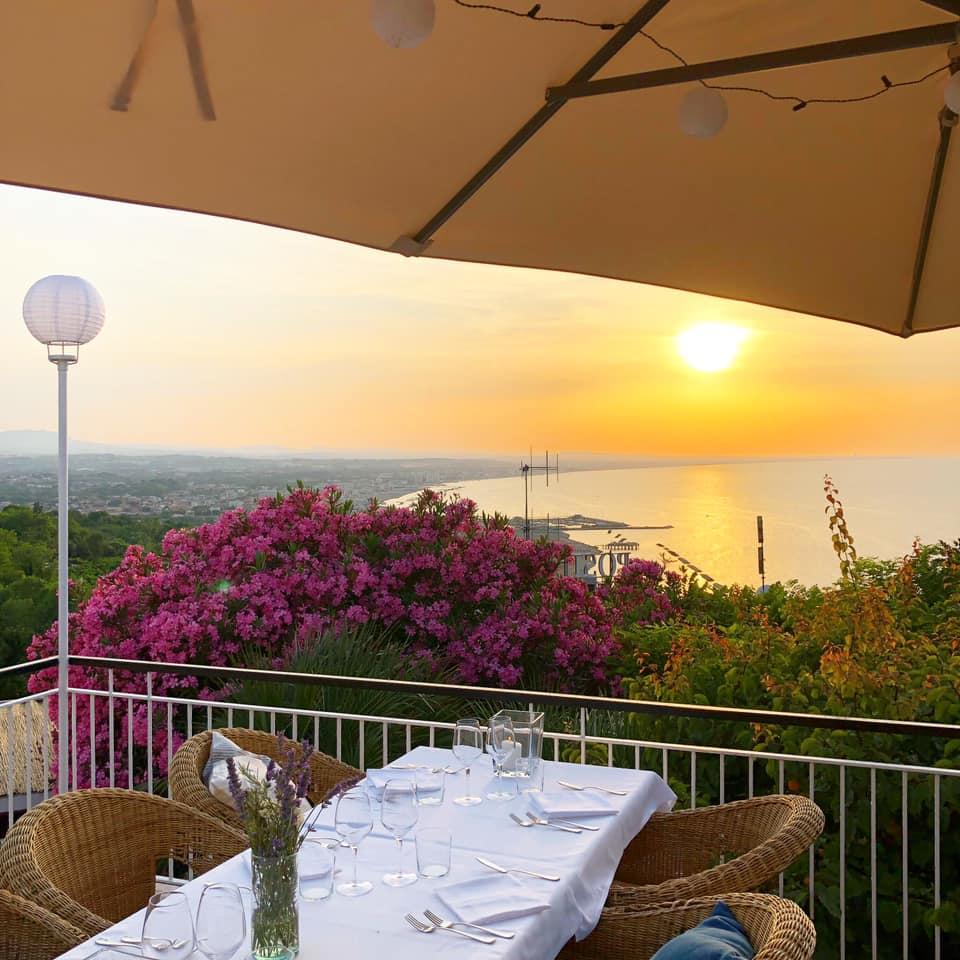 Ristorante-Dalla-Gioconda-cena-tramonto-romantica-terrazza