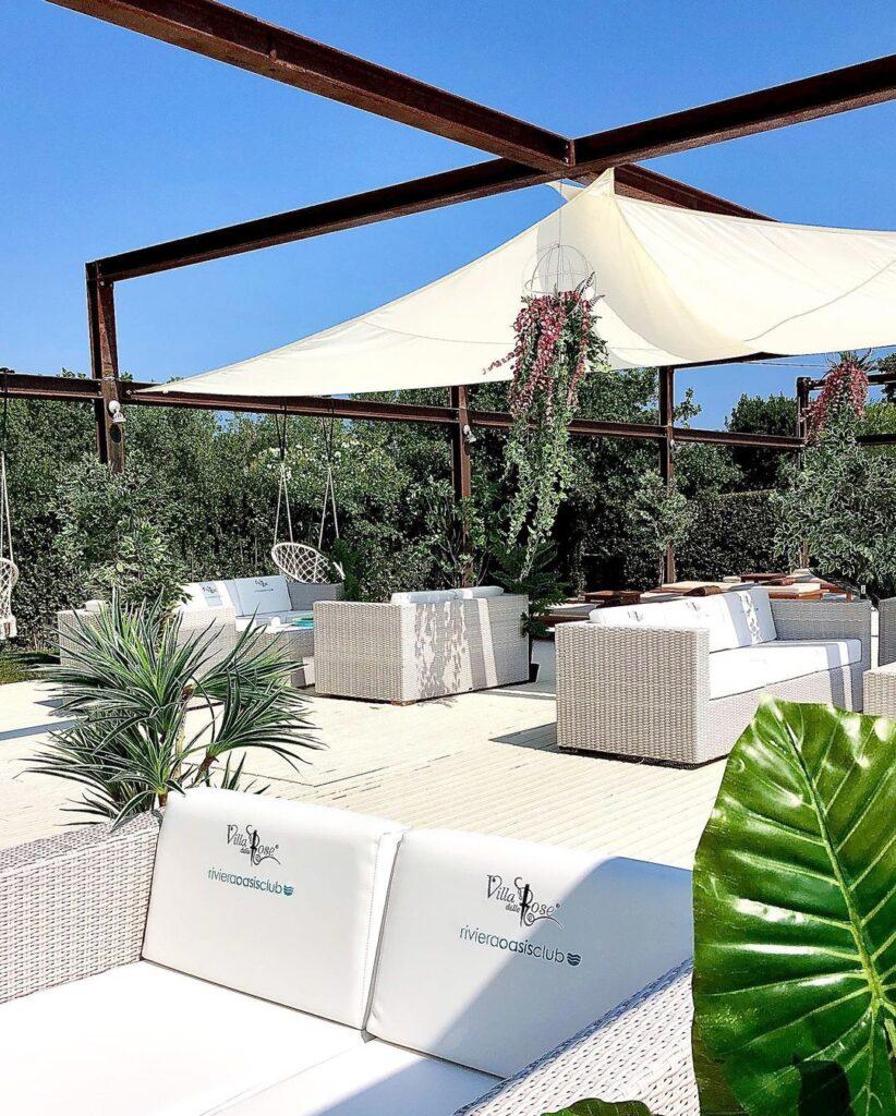 Riviera-Oasis-Club-swimming-pool-beach-club-divanetti-lounge-svago-relax
