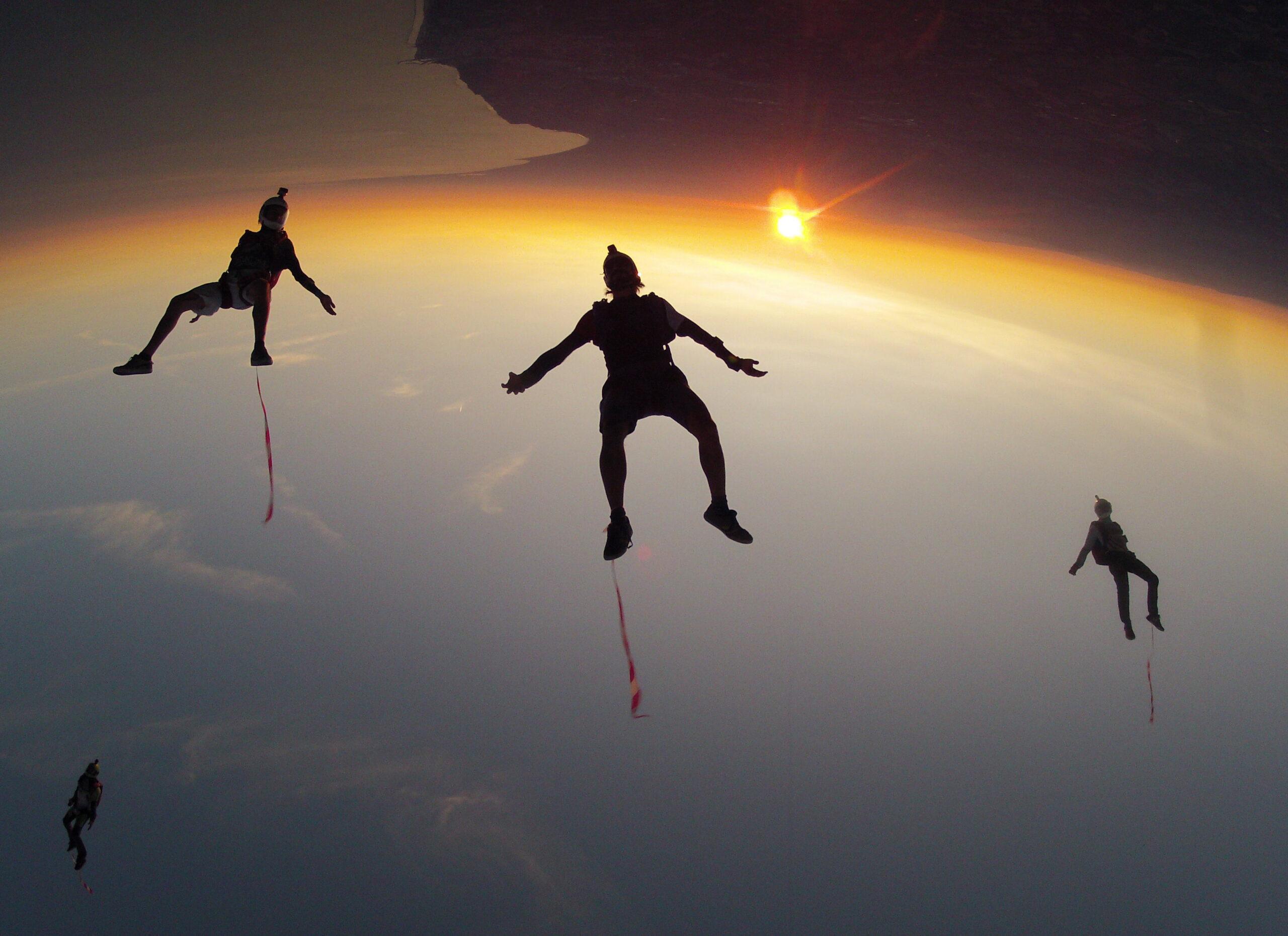 skydivefano-salto-arancione